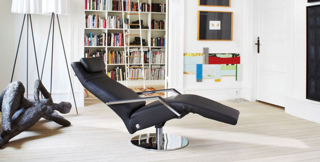 Modern swivel recliner options homesfeed for Moderne relaxsessel