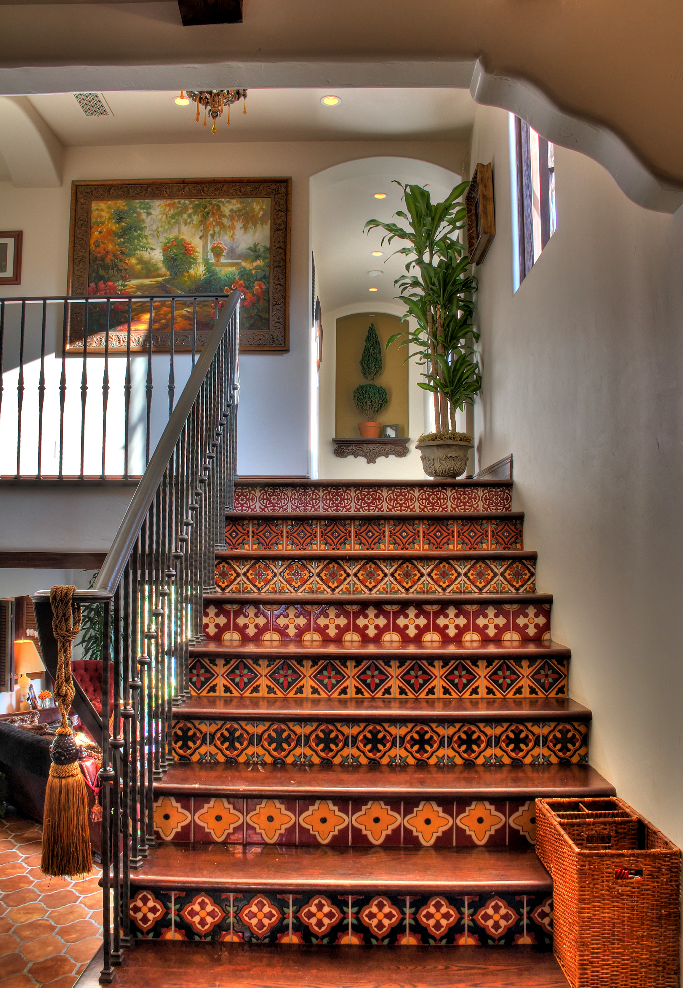 Living room spanish style design homesfeed for Home decoration photos