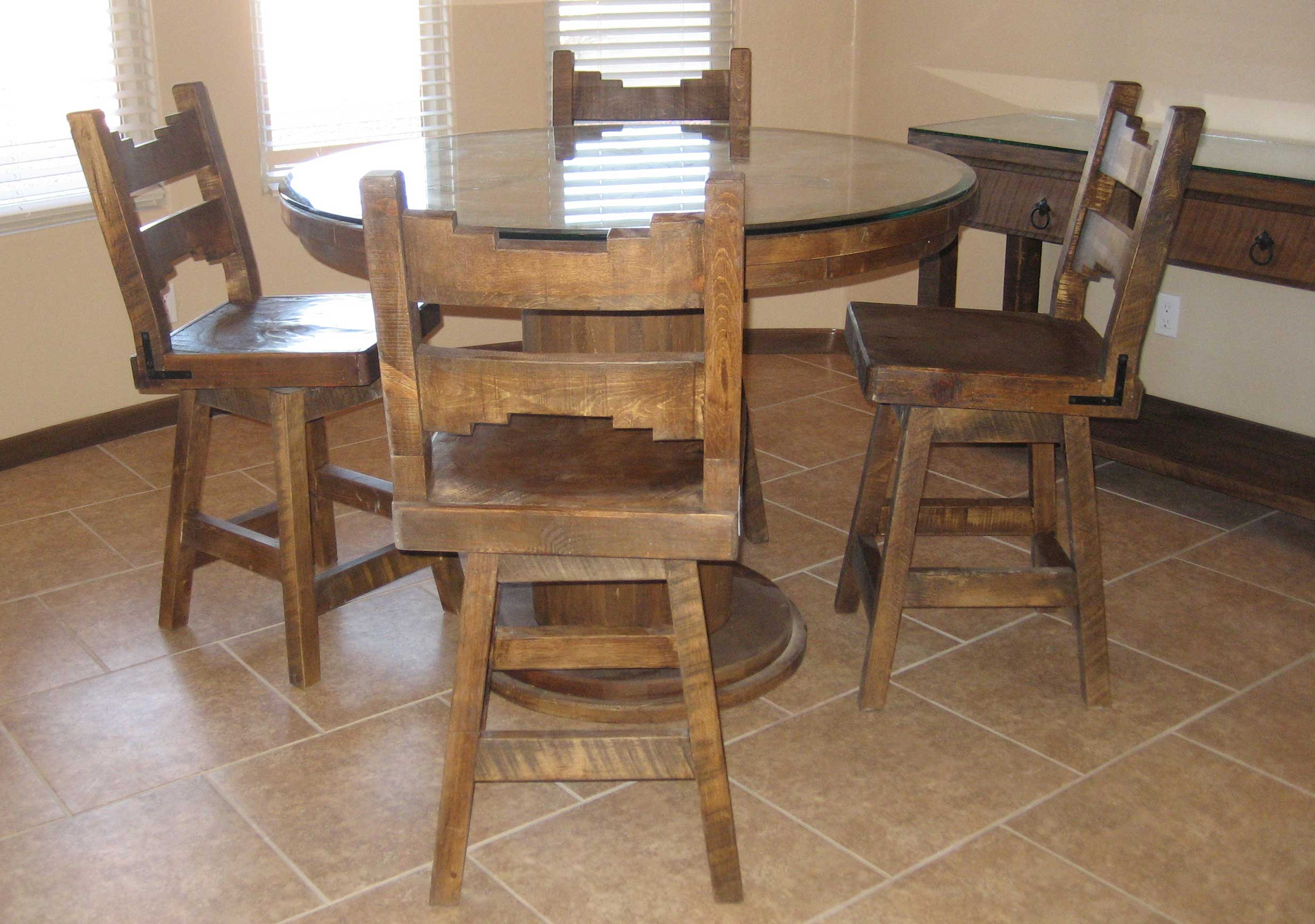 Small dinette set design homesfeed for Classic dining tables and chairs