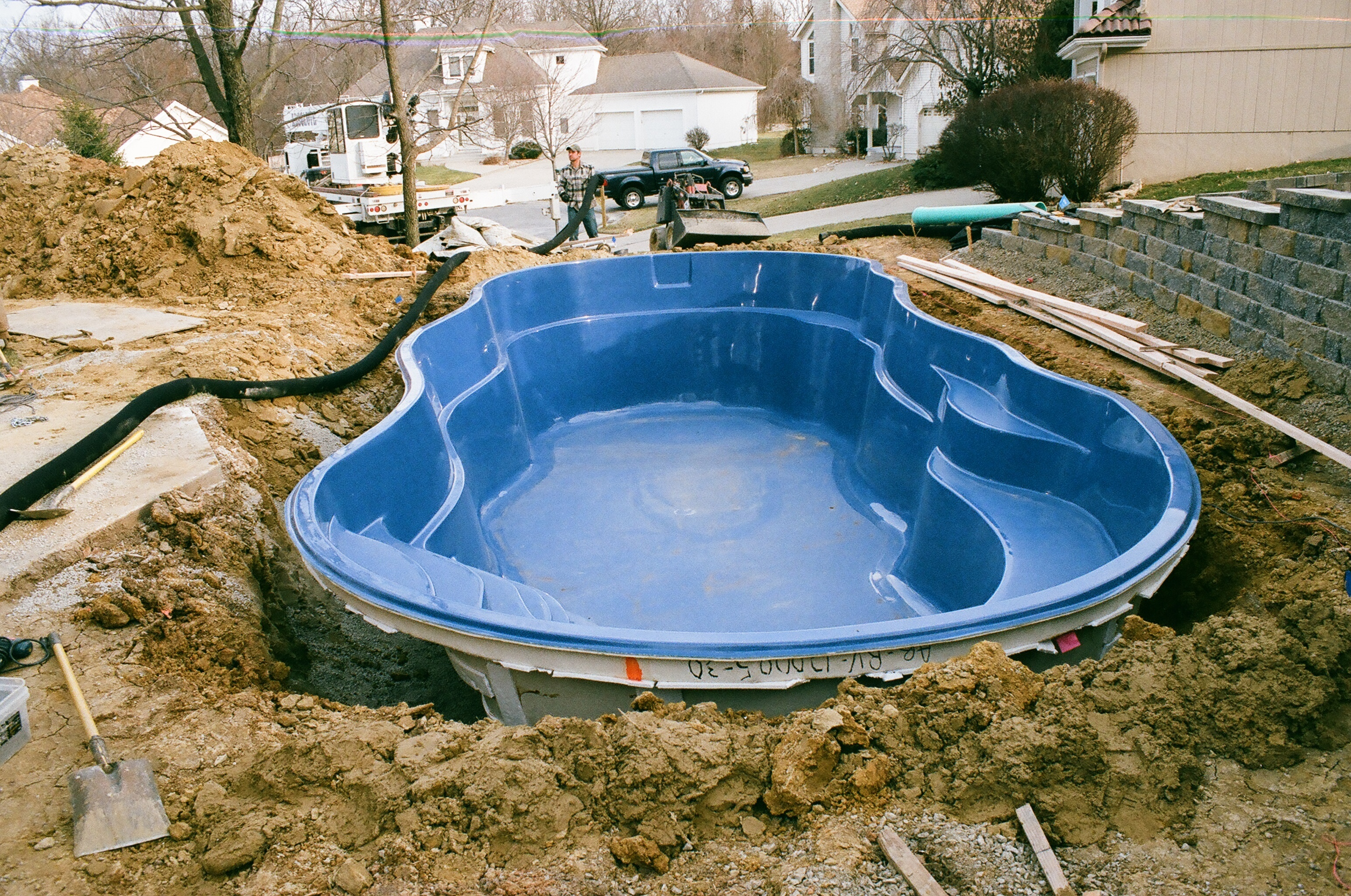 Swimming pool fibreglass ideas homesfeed for Fiberglass inground swimming pools