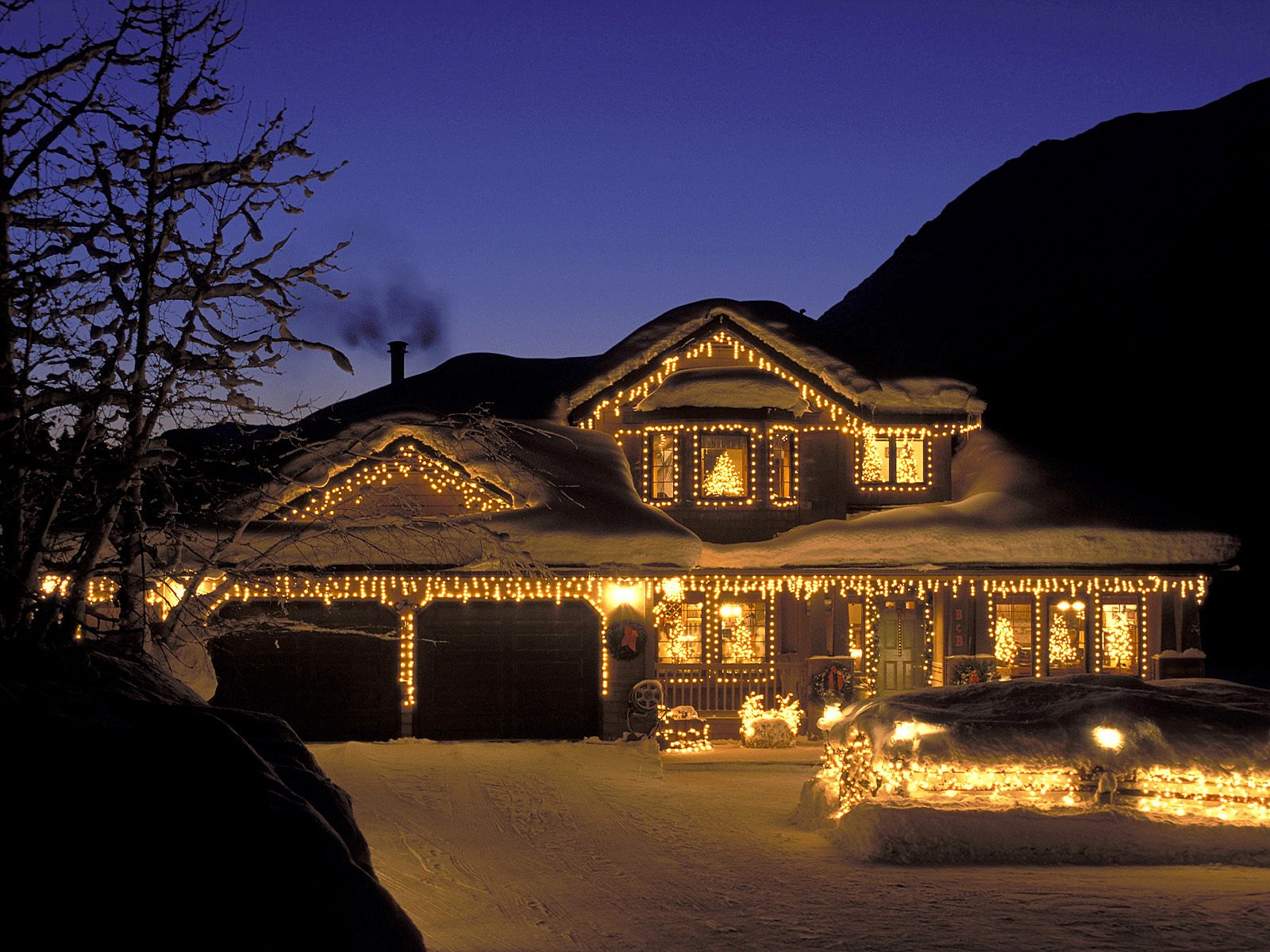 Electrical Lighting For Christmas On House Exterior Outdor And Parks