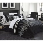 Elegant black and white oversized duvet cover idea for monochromotic bedroom decor theme