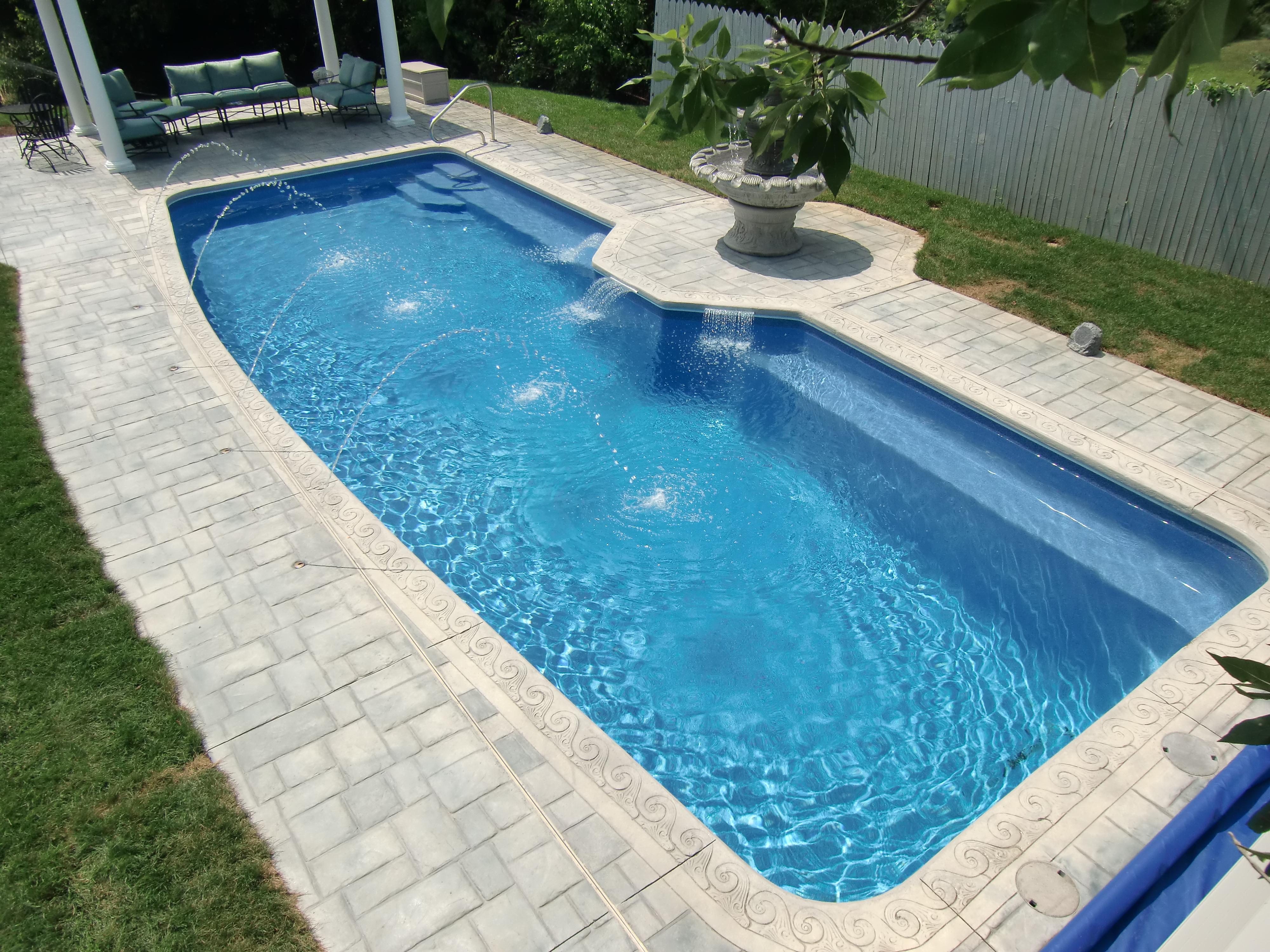Swimming pool fibreglass ideas homesfeed for Pool design 2015