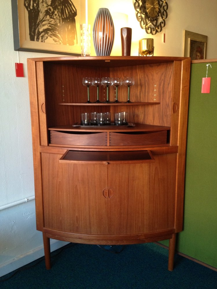 Mid Century Modern Bar Cabinet Ideas | HomesFeed