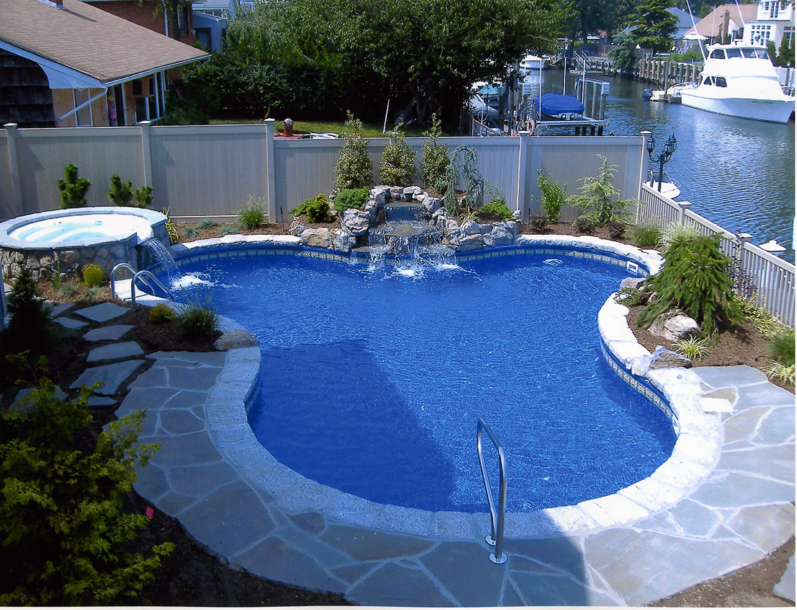 Beautiful pools design ideas homesfeed for Beautiful house with swimming pool