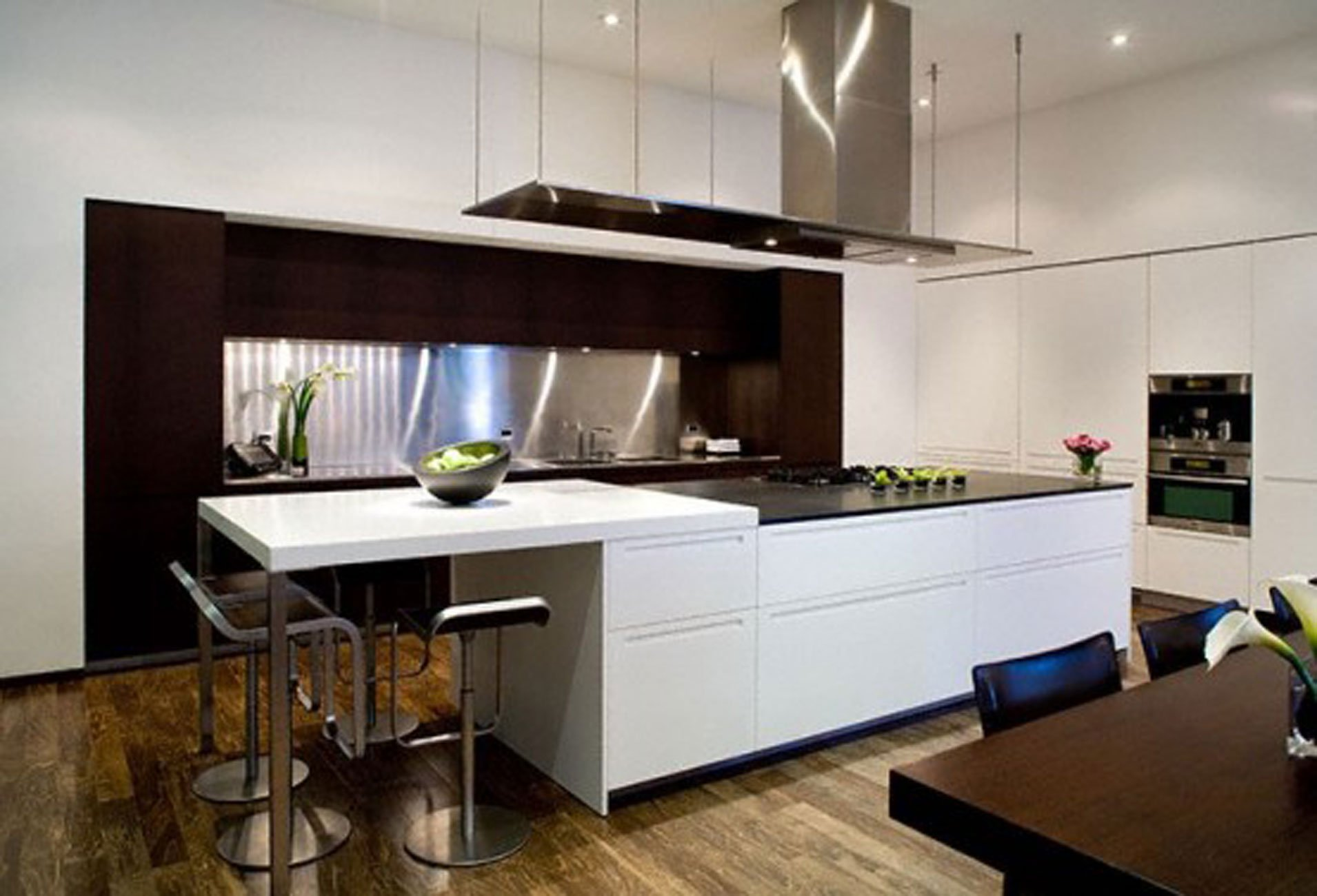 Modern kitchen interior designs homesfeed for Modern kitchen design aluminium