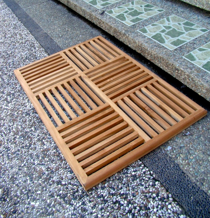 modern wood mat with two different patterns