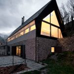 Mountain Home Design with Stone Wall Combination