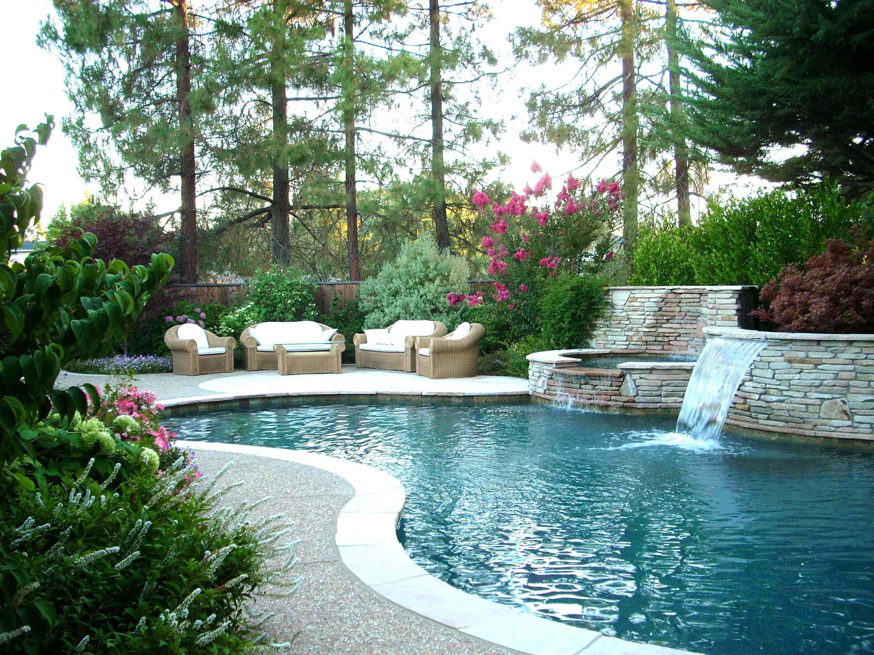 Backyard pool landscaping ideas homesfeed for Backyard landscape design plans