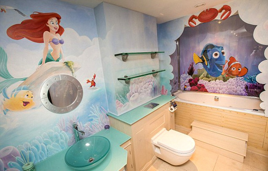 Superbe Sea Themed Bathroom For Kids With Ariel And
