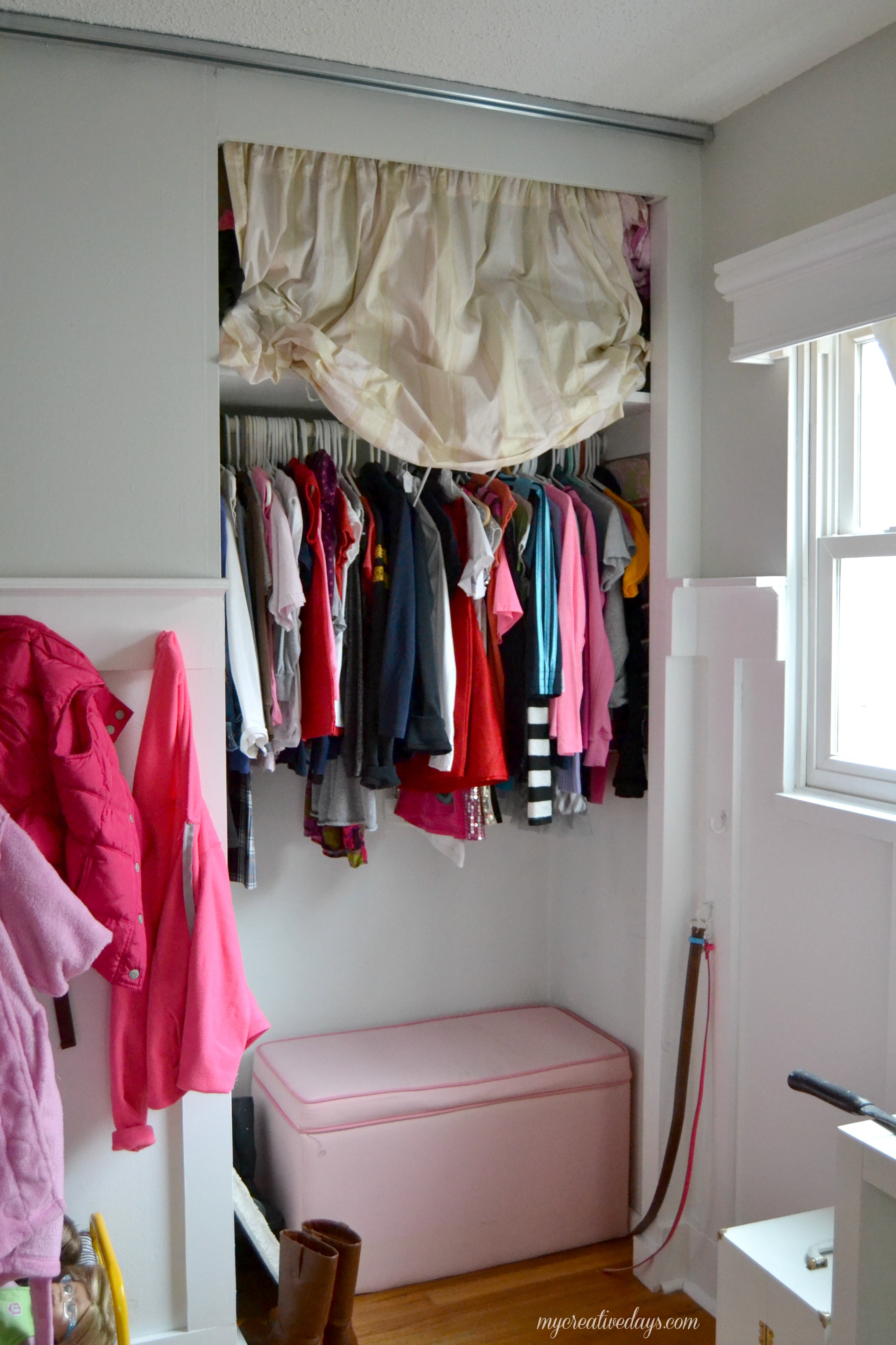 Diy sliding closet doors homesfeed for Closet door ideas diy