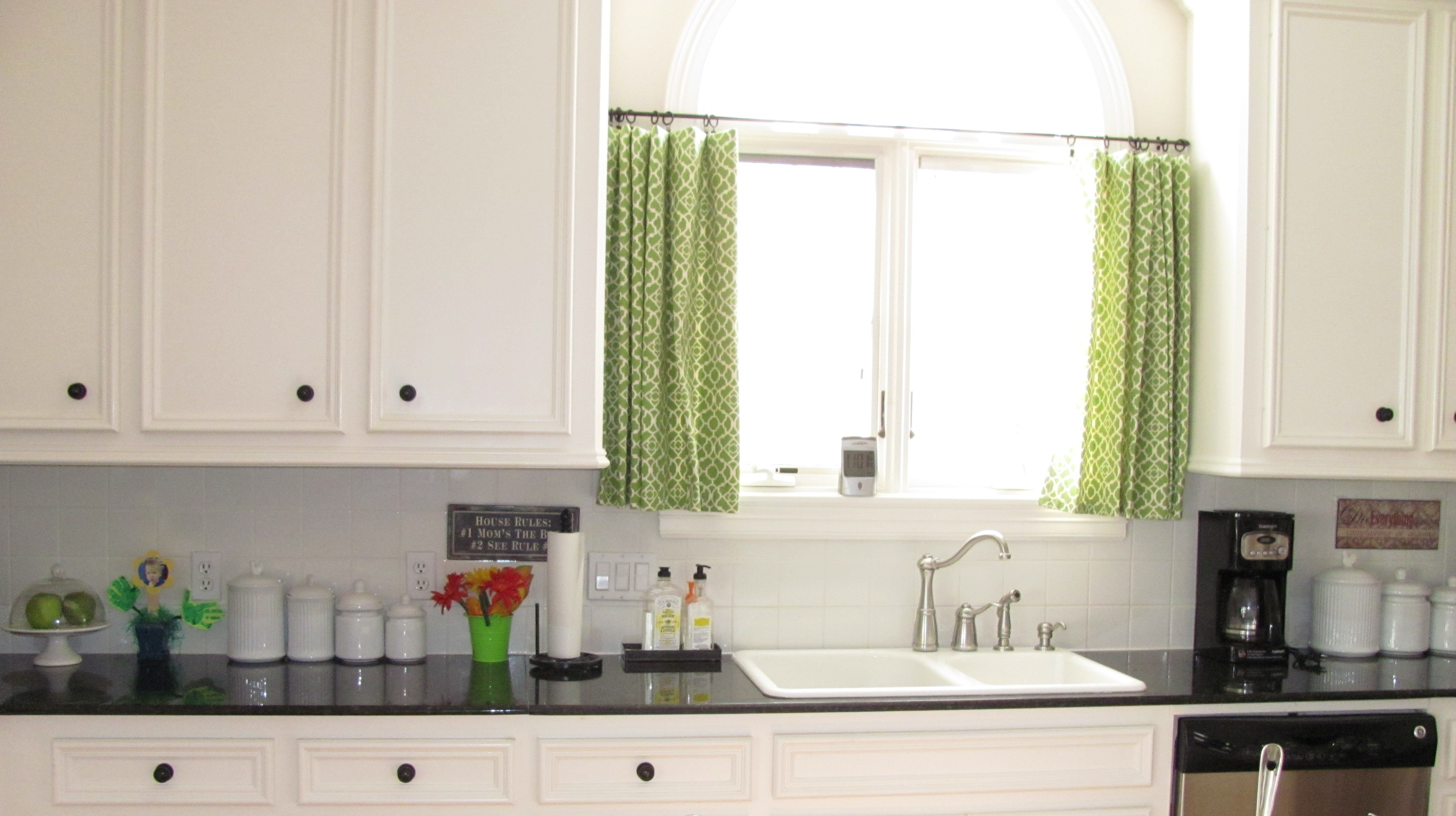 Window treatments for large kitchen windows - Simple White Kitchen With Green Short Curtain For Window