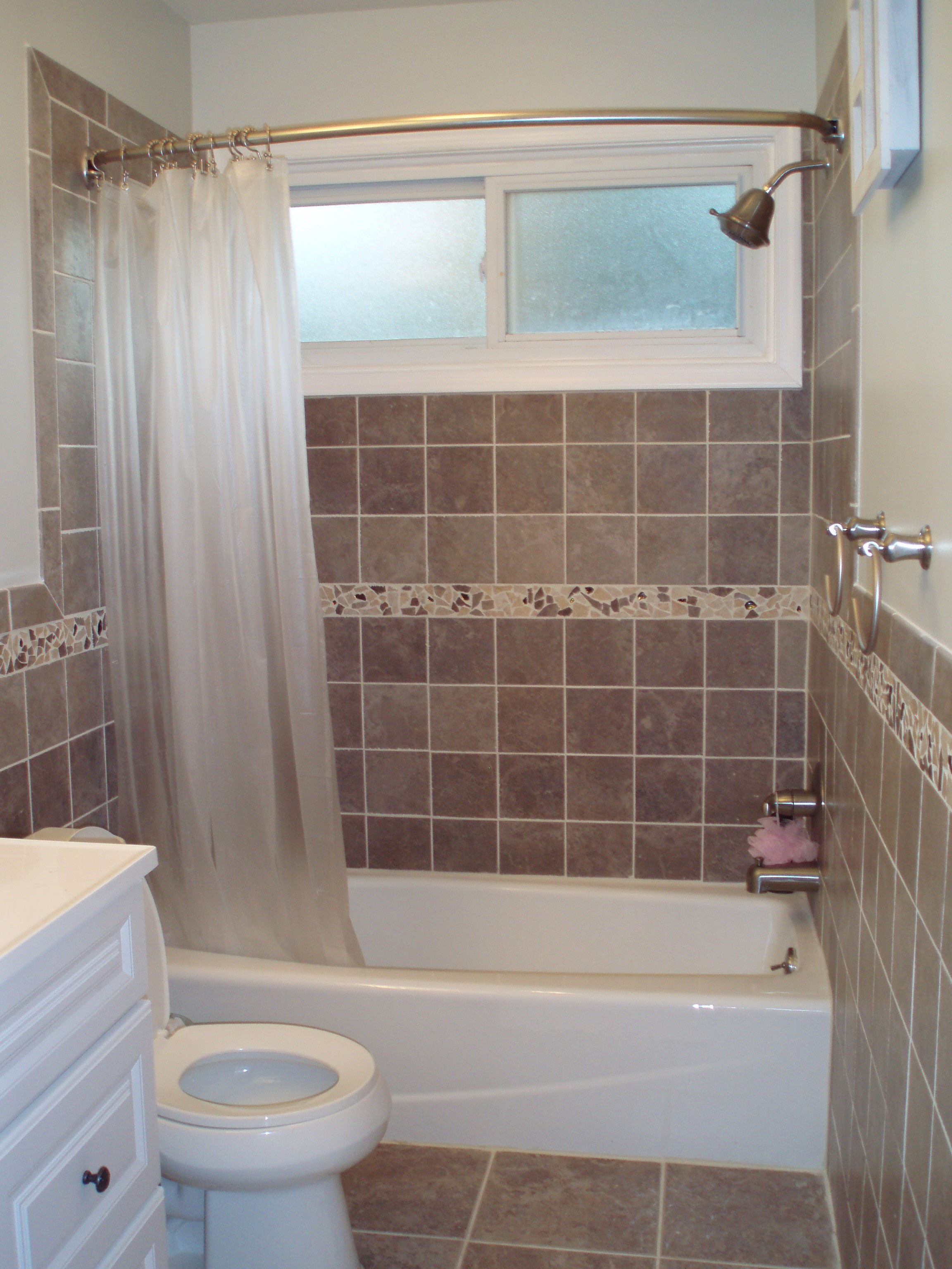 Bathroom plastic curtains - Small Bathroom Interior With Wall Mount Shower Faucet And White Tub Toilet Cabinet