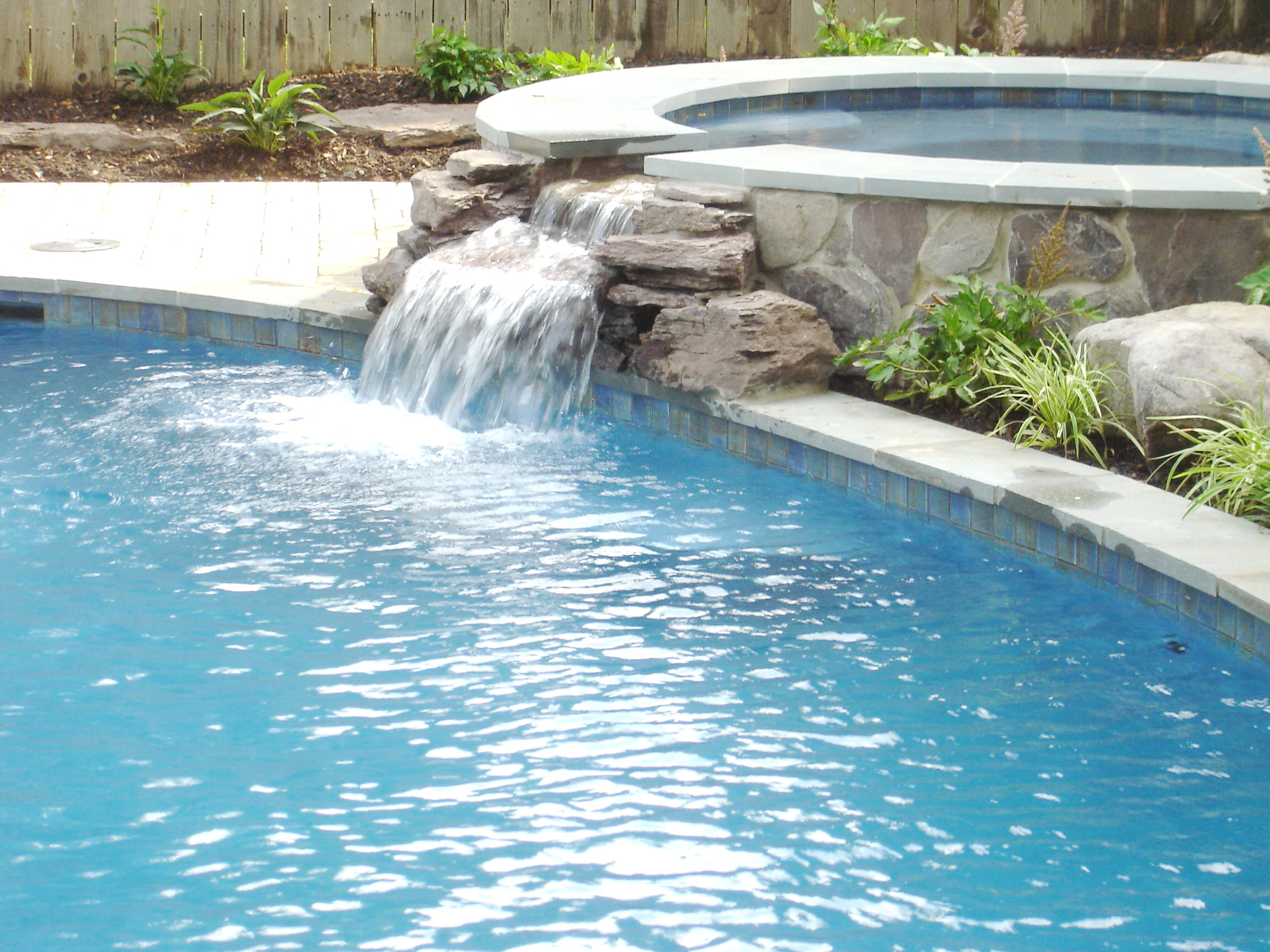 Beautiful Pools Design Ideas | HomesFeed