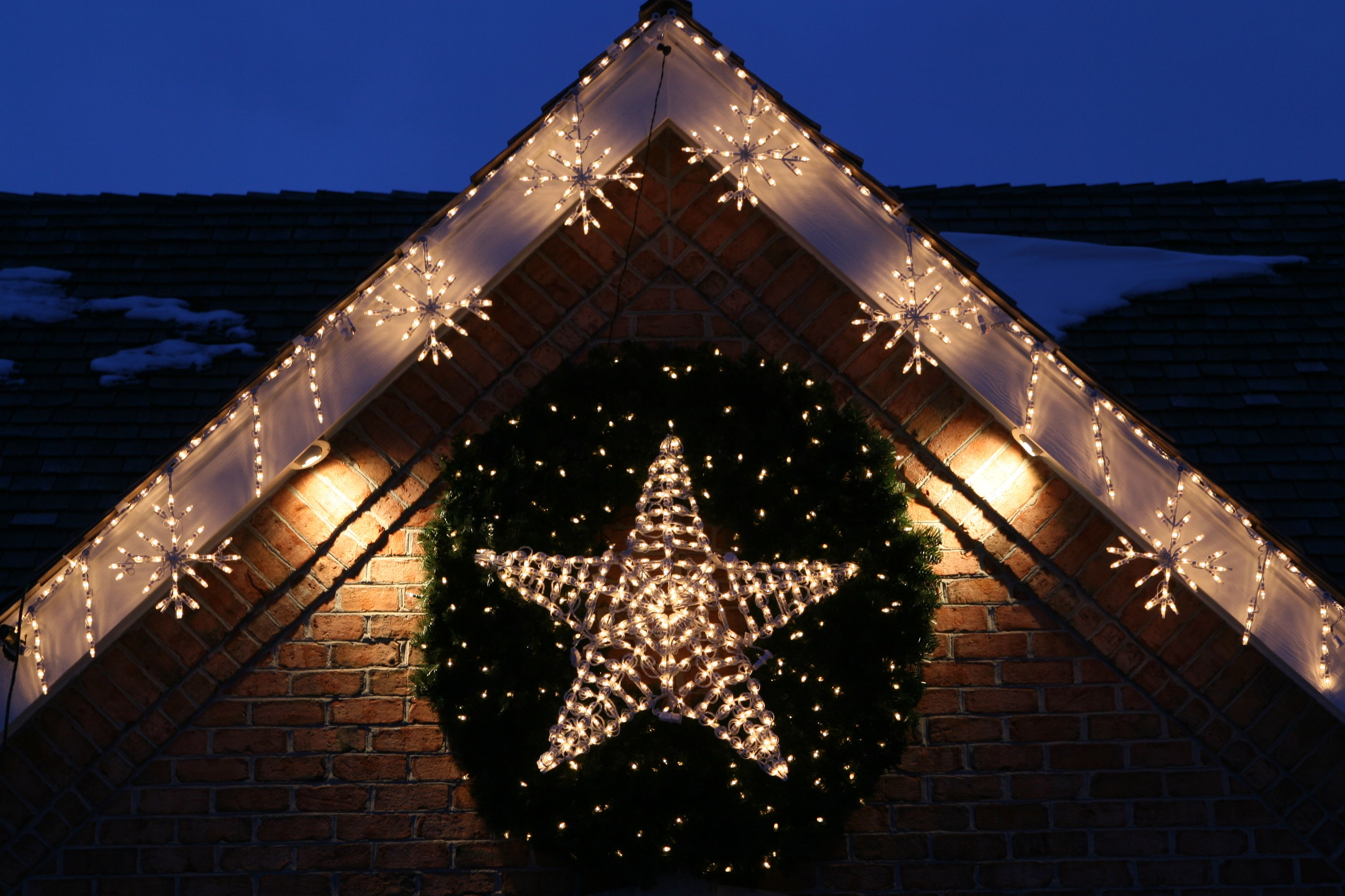 stars shaped of christmas on lighting design ideas for house exterior - Christmas Porch Light Decorations