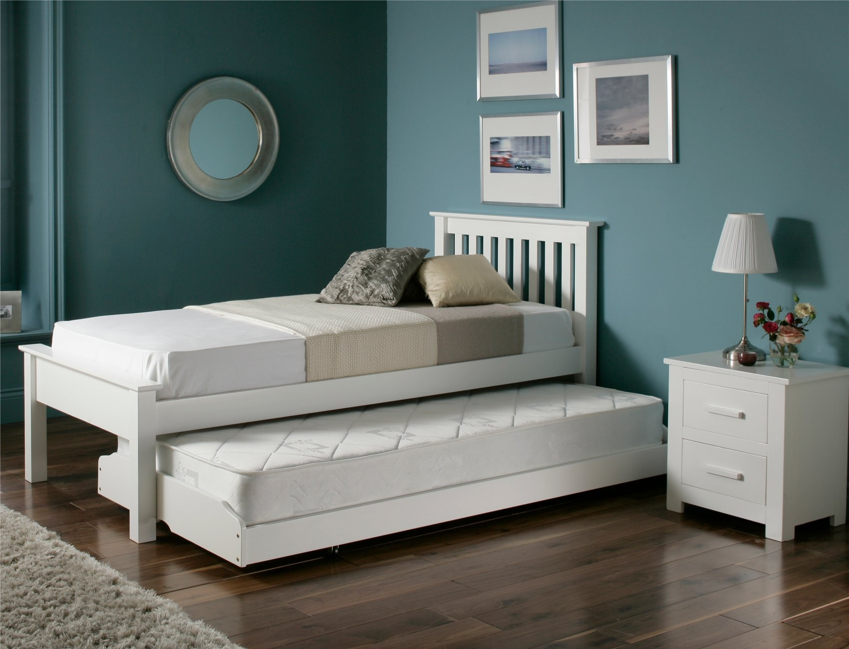 Guest beds for small spaces homesfeed - Guest bed options for small spaces paint ...