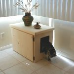 Wood cat litterbox hider with single larger door