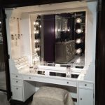 Wooden White Makeup Vanity Table With Lights And Big Mirror