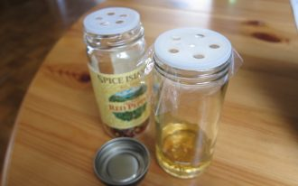 a simple way to get rid of fruit flies by making fruit flies trap by your self