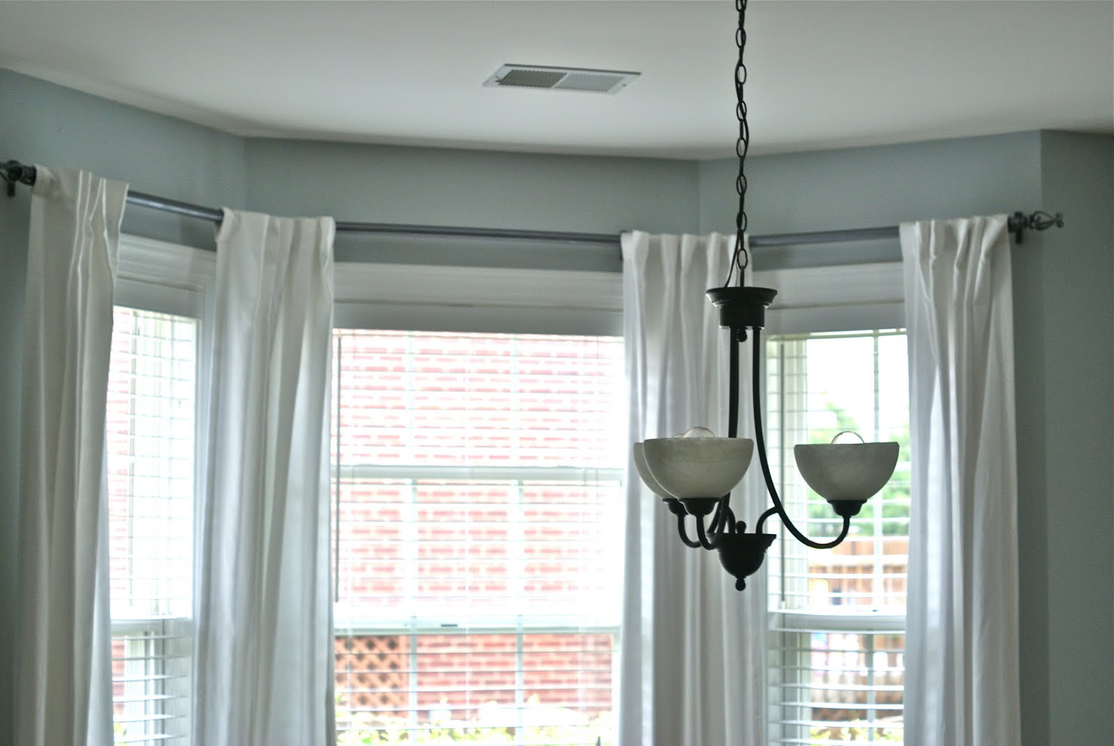 Amusing Curtain Rods For Bay Windows With White Ds Beautiful Home Decorating Ideas