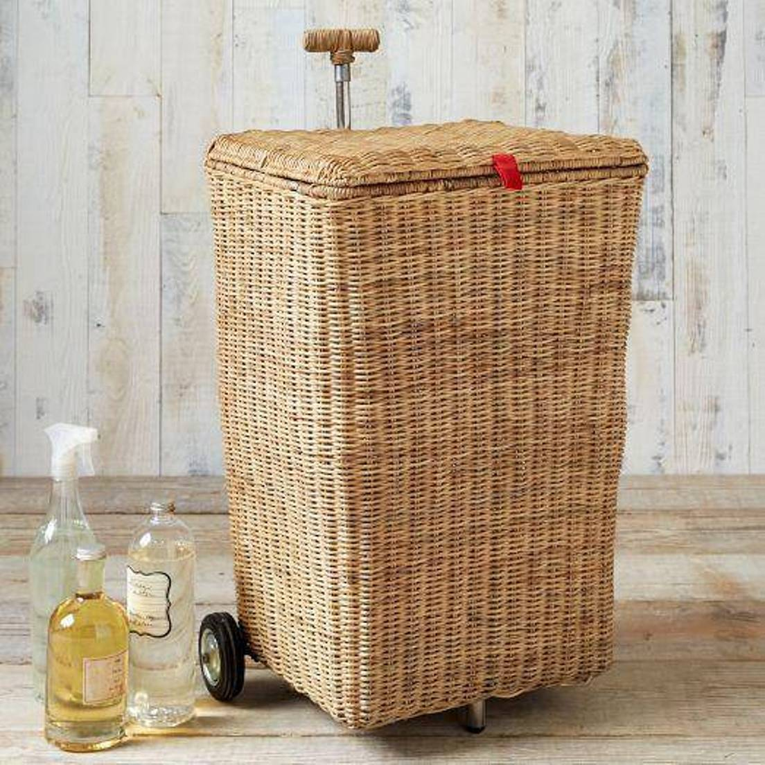 Hamper with wheels for easy moving linen homesfeed - Rattan clothes hamper ...