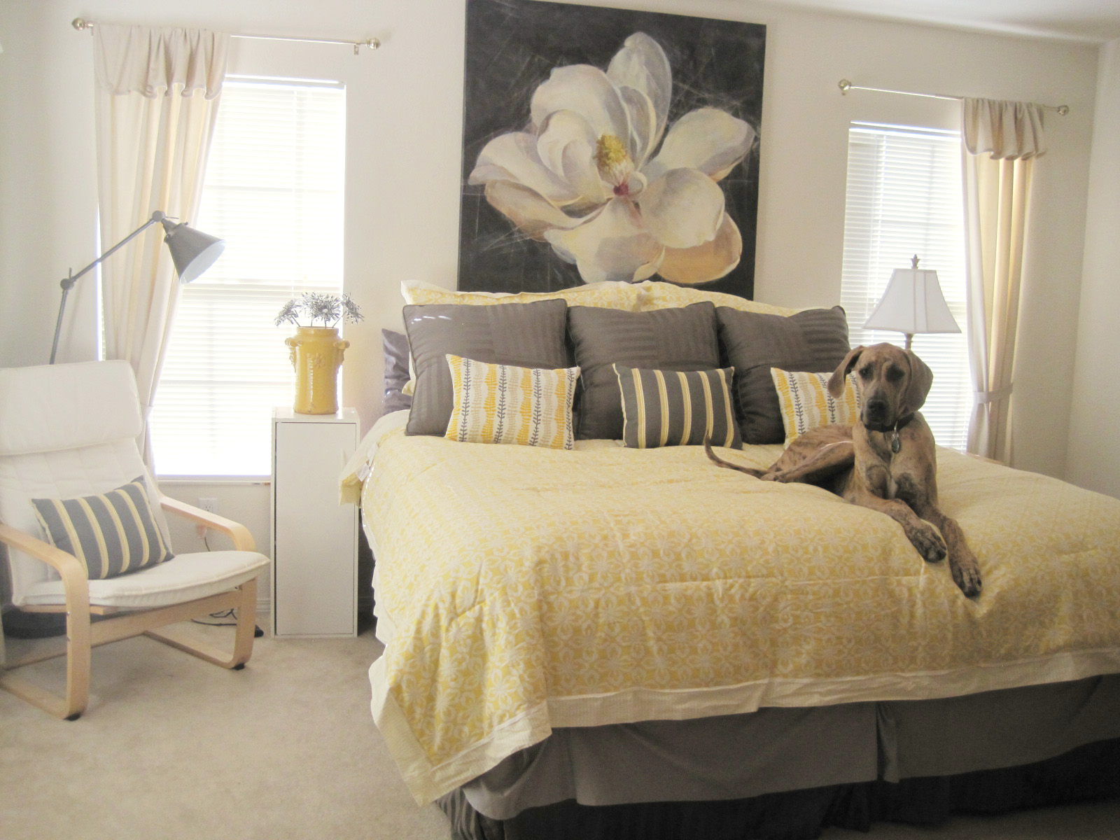Awesome Yellow And Gray Bedroom Decor Idea With Bold Bedding And Large  Jasmine Picture On The