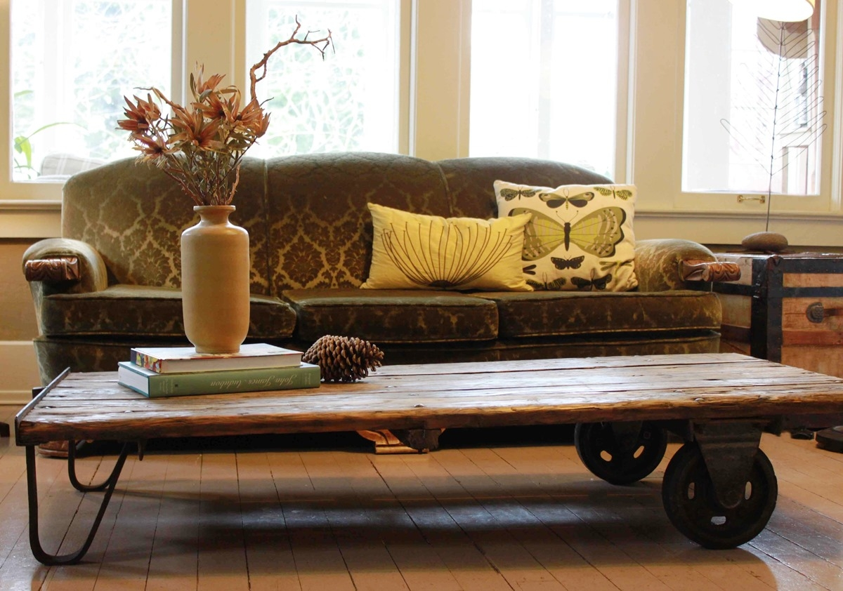 Inspirational rustic coffee table with wheels for living for Living room ideas without coffee table