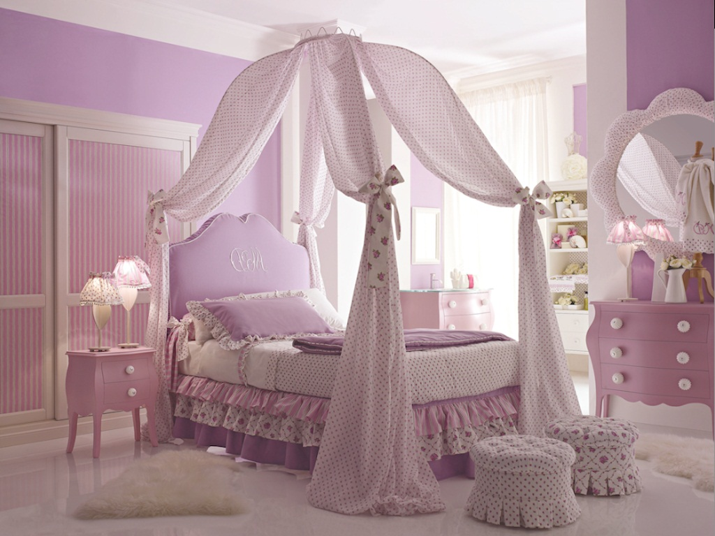 Princess and fairy tale canopy bed concepts for little for Princess themed bed