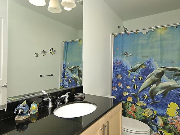 Beautiful and elegant sea themed bathroom homesfeed - Bathroom wall decorating ideas small bathrooms ...