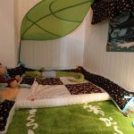 nice-toddler-floor-bed-with-lova-leaf-canopy-and-barnslig-ringdans-rug-and-skojig-lamp-and-krokodil-body-pillow-also-vyssa-sloa-expendable-mattress