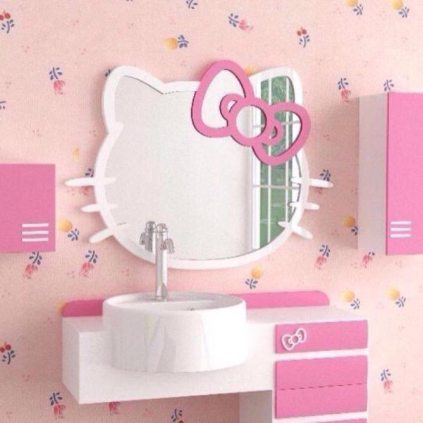 hello kitty wall mirror for adorable rooms homesfeed. Black Bedroom Furniture Sets. Home Design Ideas