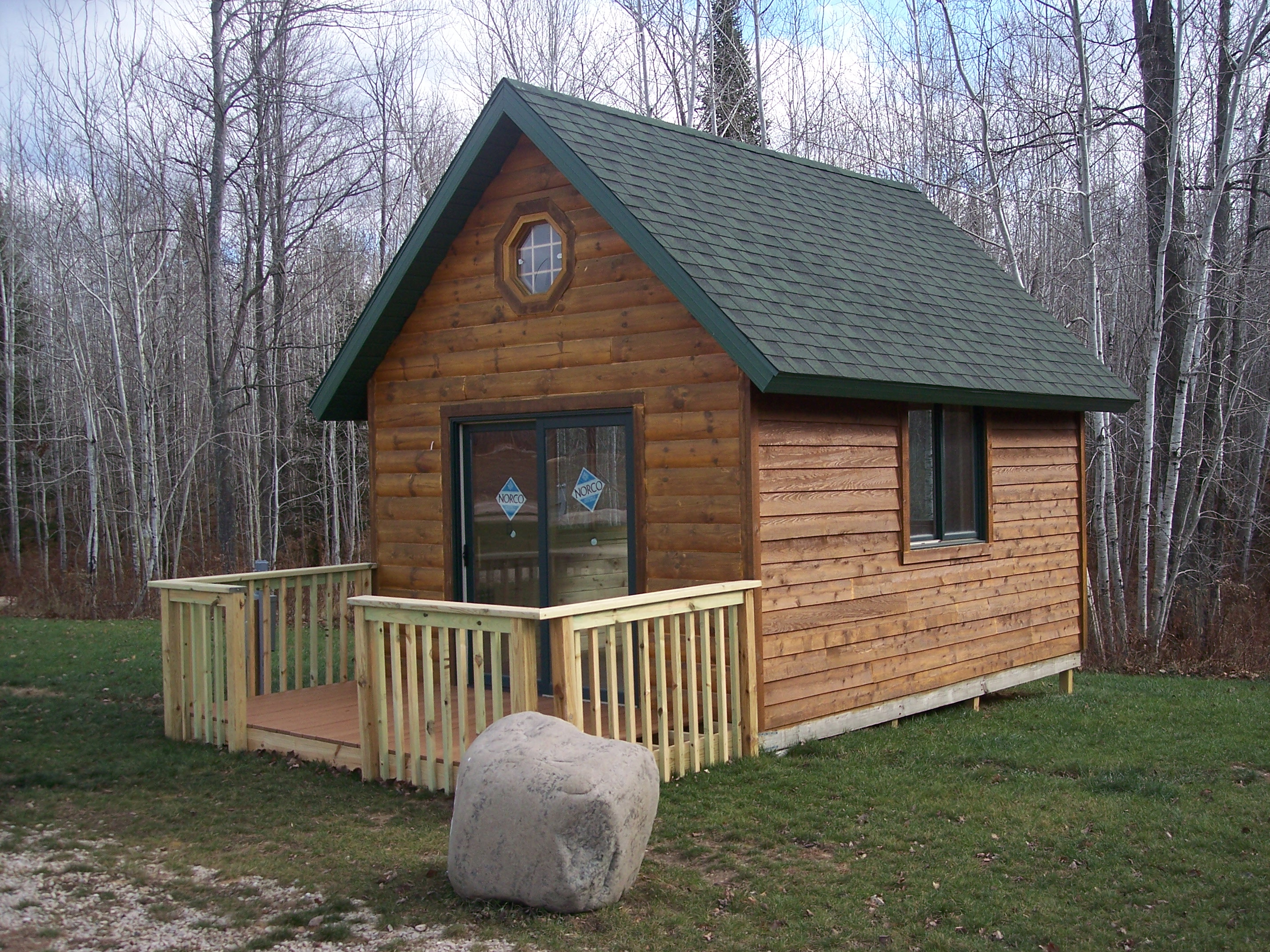 Small rustic cabin country living style homesfeed for Basic cabin designs