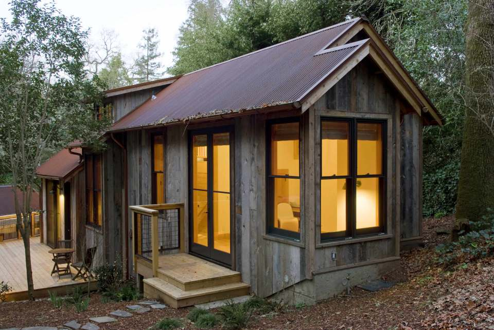 small rustic cabin idea with open plan