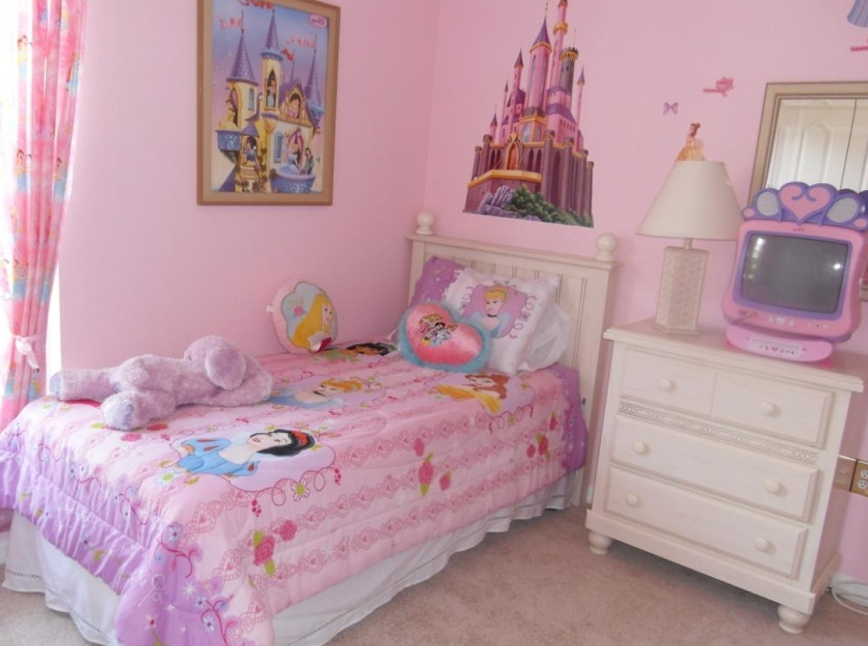 Little tikes doll house toddler bed like newrare in burlington - Princess Bedding Perfect Bed For Girls Homesfeed