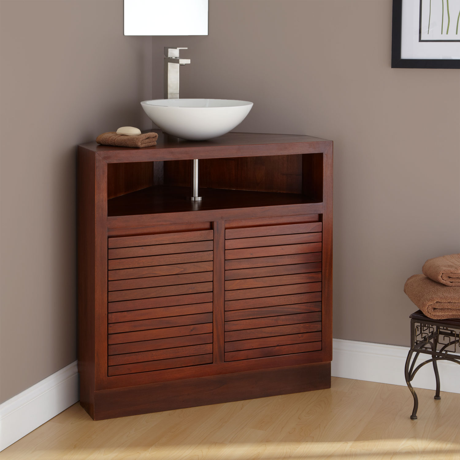 Corner Vanity Set – Solution for Small Space