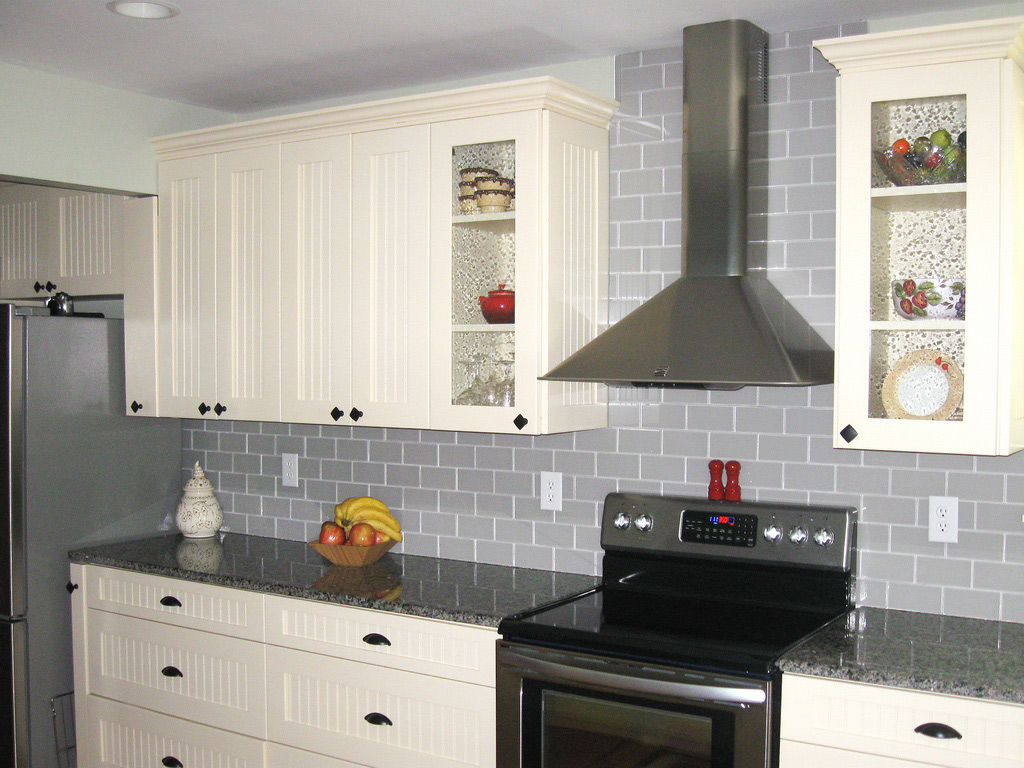 Upgrade Your Monotonous Subway Tile Into A Colored Subway Tile Homesfeed