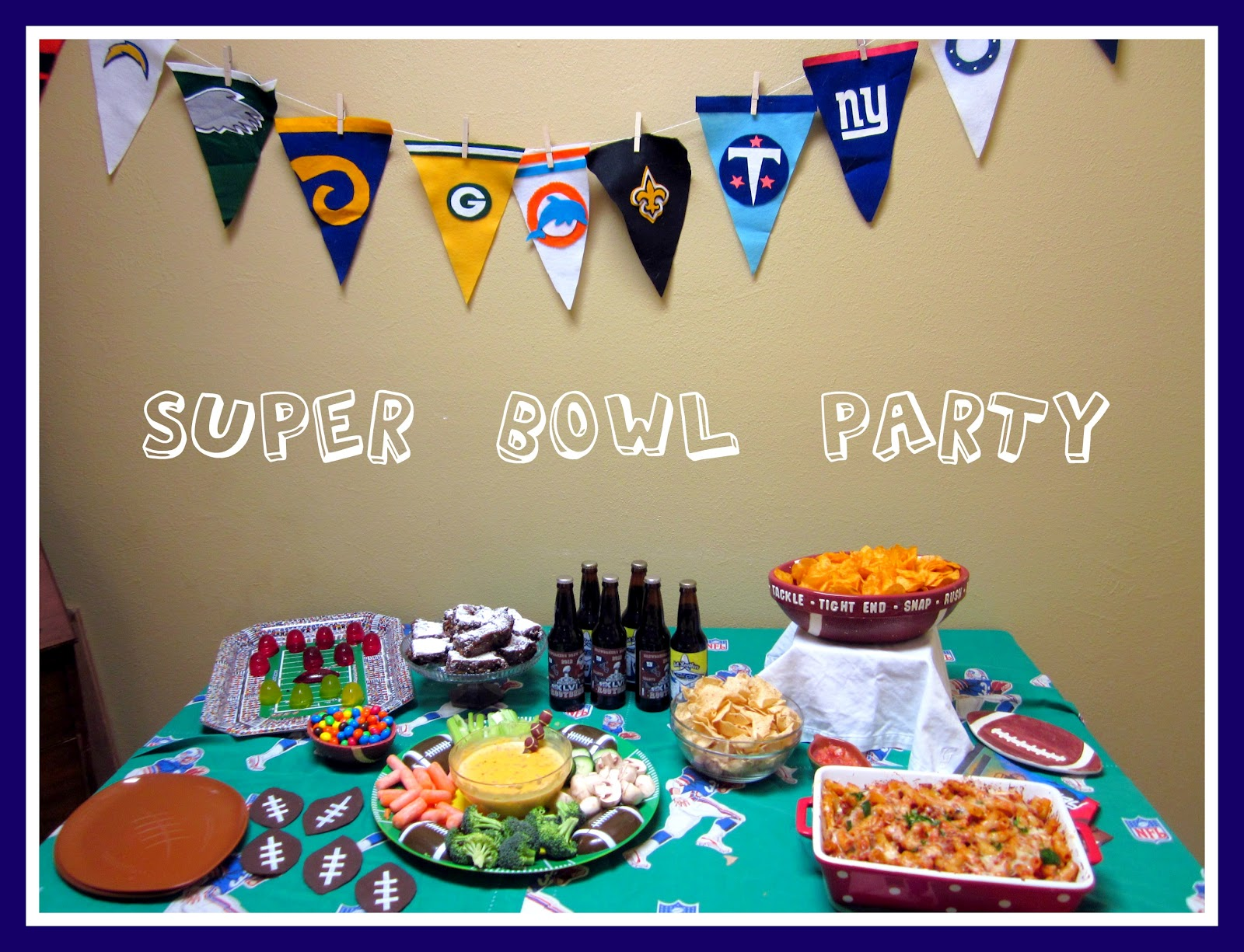 super bowl party decoration homesfeed. Black Bedroom Furniture Sets. Home Design Ideas
