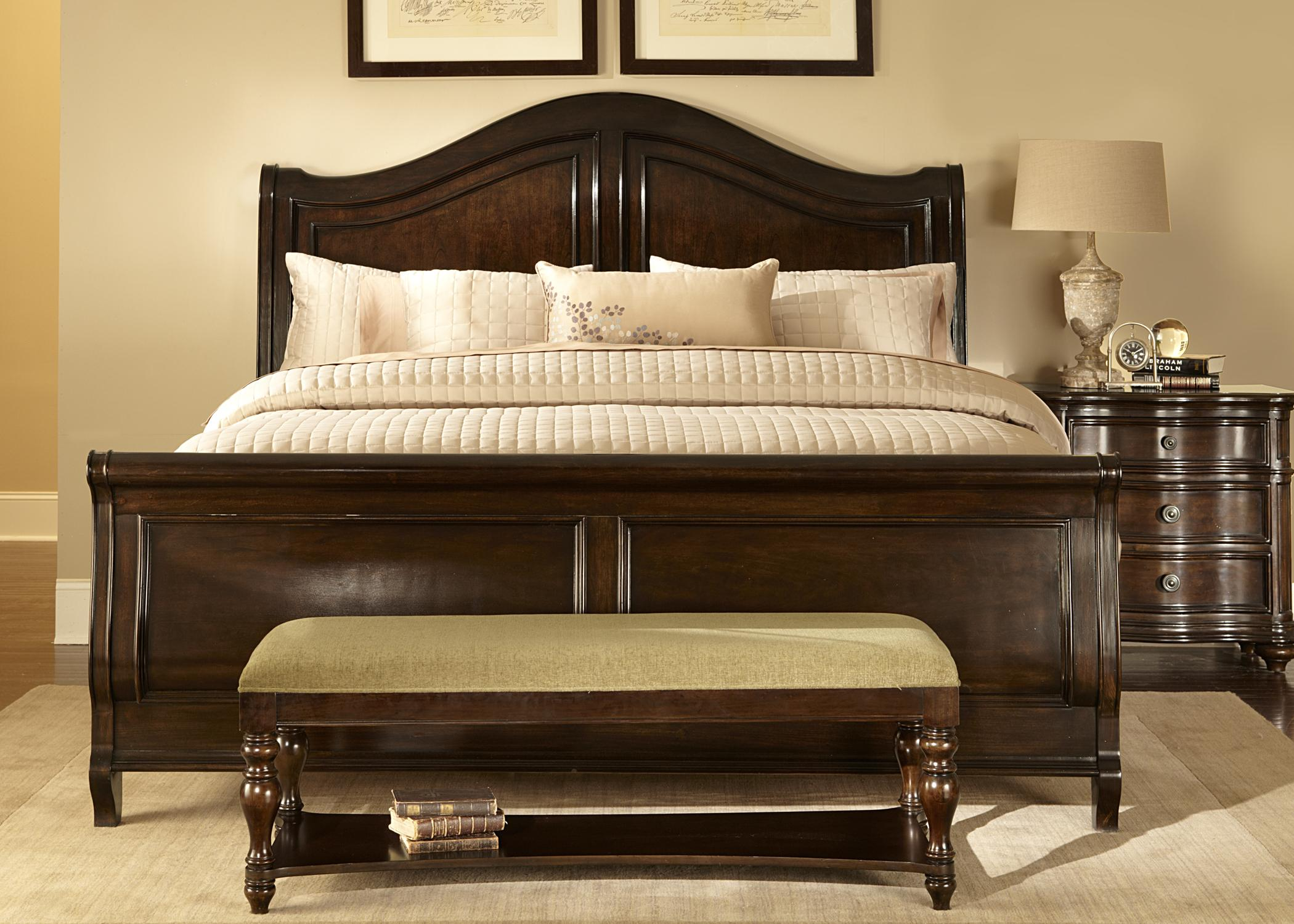 Traditional End Of Bed Storage Bench Decorated In Traditional Bedroom Ideas  With Sdorable Wooden Bed Frame