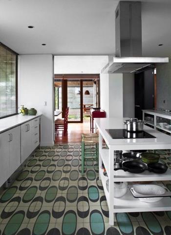 Fashionable Kitchen Flooring Idea – Modern Style | HomesFeed