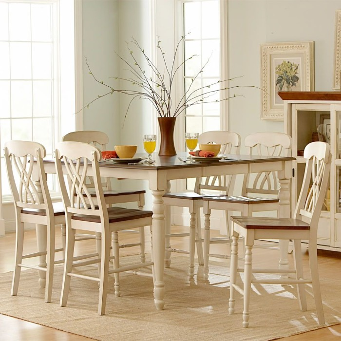 Oxford Creek Dining Furniture