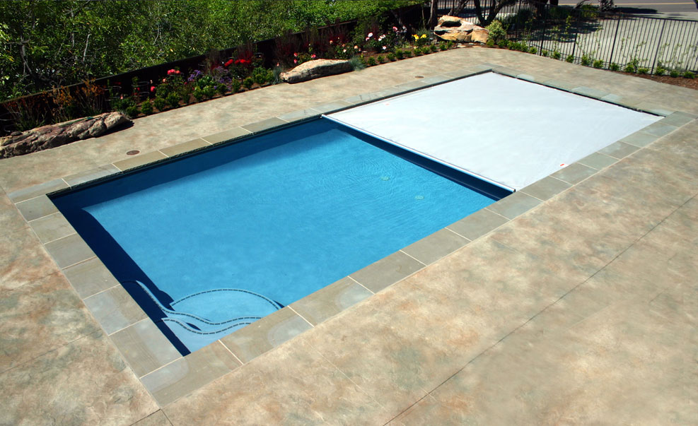 Automatic Rectangular Swimming Pool With Cover