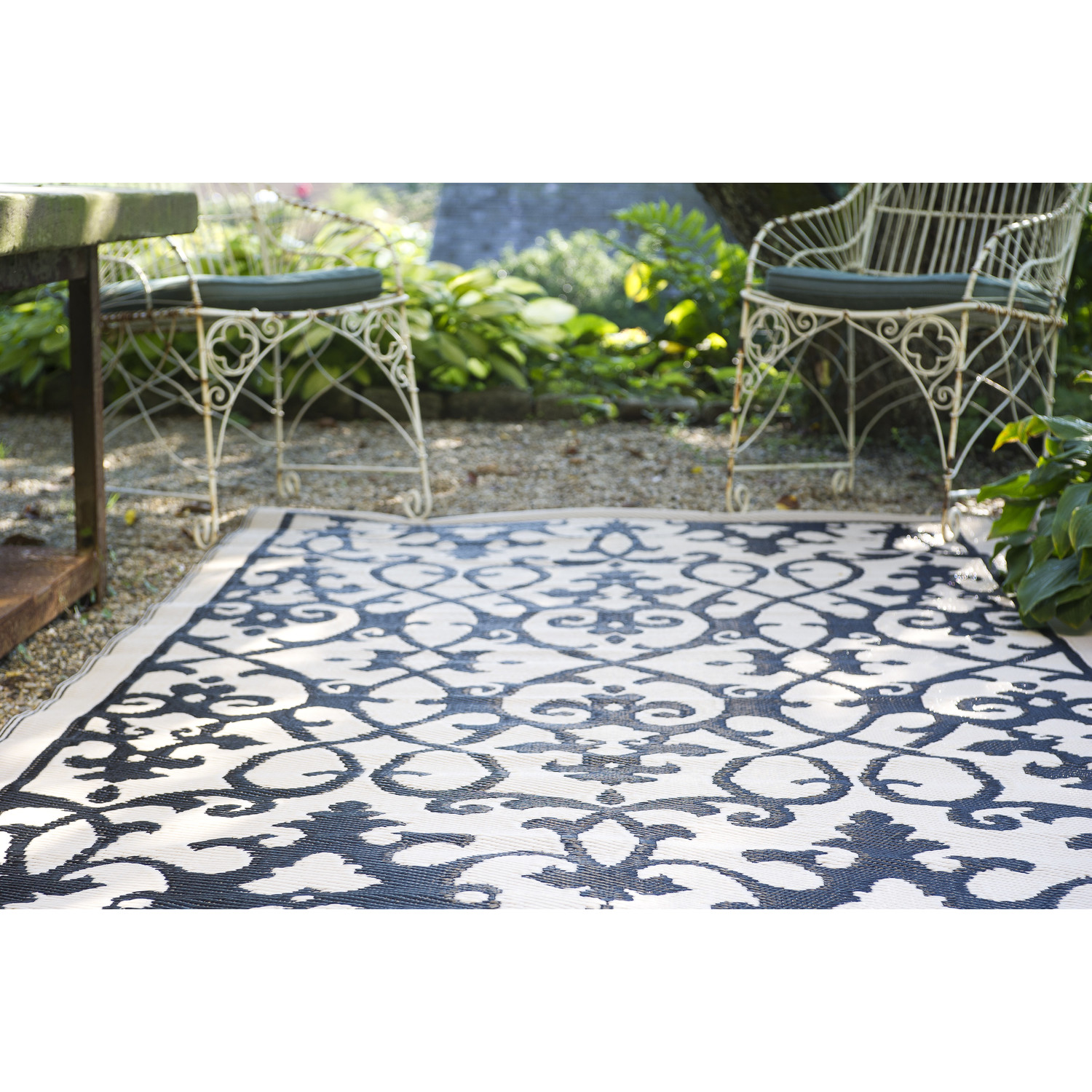 Black indoor outdoor carpet homesfeed - Naturewood furniture for both indoor and outdoor sitting ...