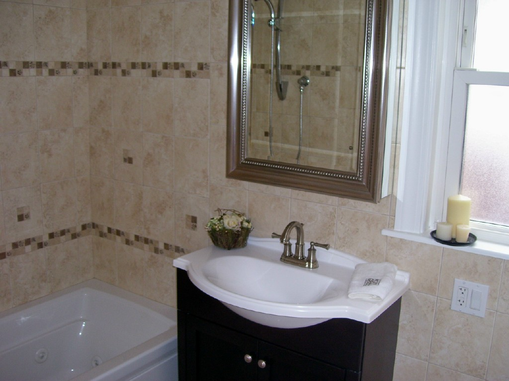 Bathroom Remodel Ideas For Small Bathroom With Single Vanity Tub And Mirror