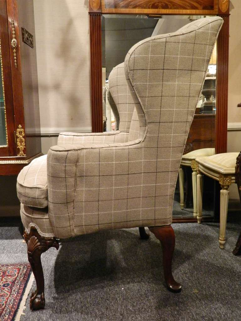 Attrayant Classic Design Of Upholstered Wingback Chair