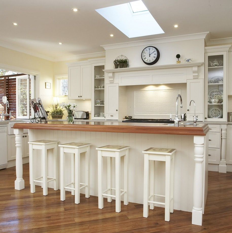 Bar Stools For White Kitchen: White Wood Bar Stools