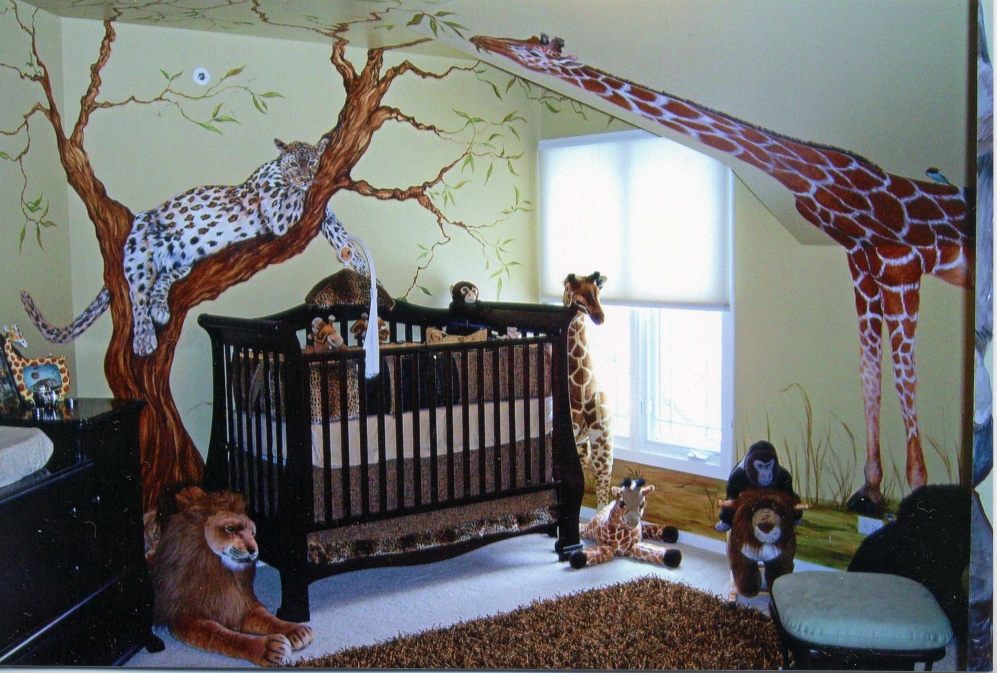 Creative Safari Bedroom Decor Design For Baby A Unit Of Black Coated Wood  Baby Crib With