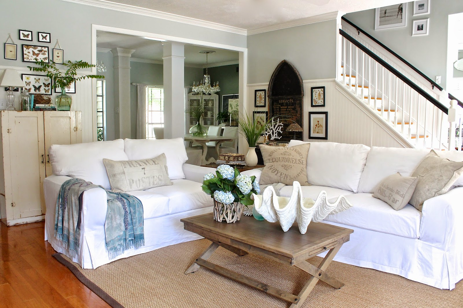White slipcovered sofa for nice living room homesfeed - Home and living ...