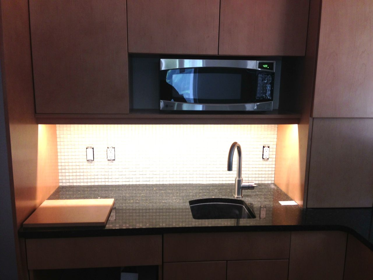 Kitchen Cabinets Above Microwave