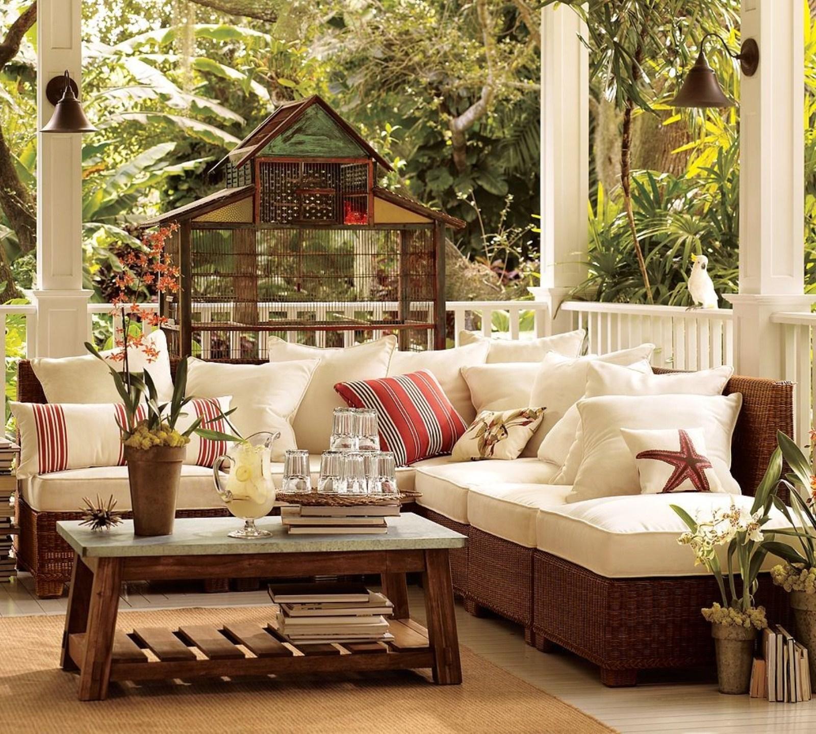 Balcony furniture small - Exterior Design Of Balcony With Cool Small Balcony Furniture