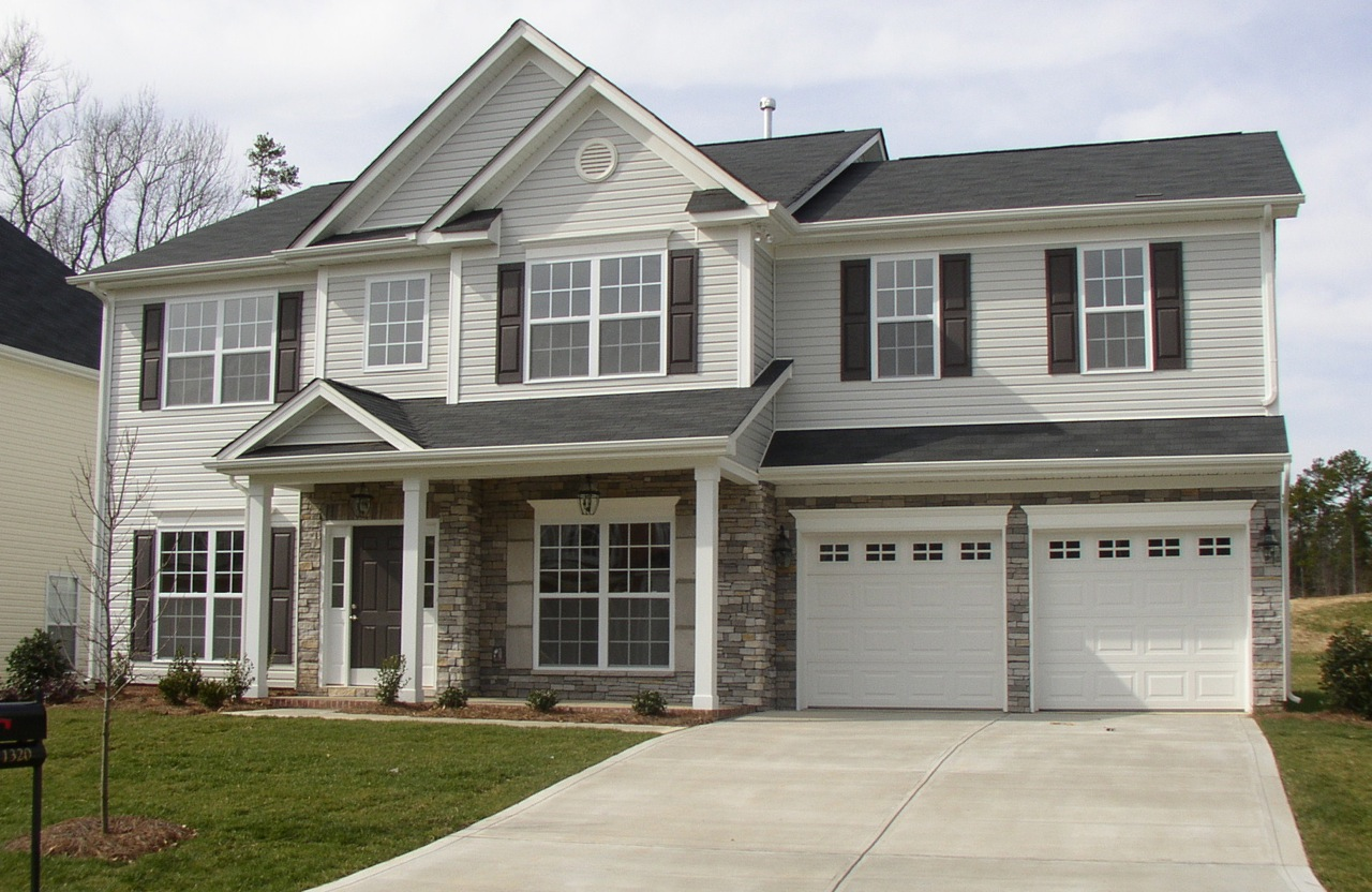 Exterior colors for houses ideas homesfeed - Grey and white house ...